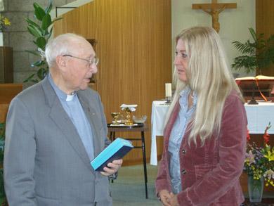 ヴァスーラとダニエル・ヴァン・キルホブ神父
