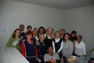 ヴァスーラ、「神のうちの真のいのち」のボランティアたちとベス・ミリアムの台所にて